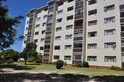 2 Bedroom Apartment for Sale in Claremont, Cape Town - Western Cape