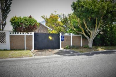 3 Bedroom House for Sale in Crawford, Cape Town - Western Cape